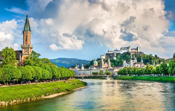 https://www.paragonaviationgroup.com/wp-content/uploads/2021/06/LOWS-SZG_Salzburg_Austria_FBO_Magnum_FBO-LOWS-ForWeb.jpg