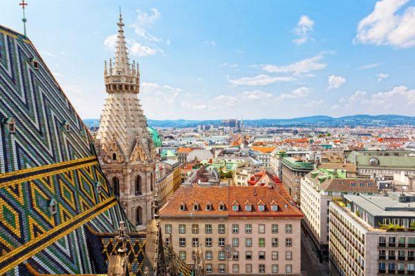 https://www.paragonaviationgroup.com/wp-content/uploads/2021/06/LOWW_VIE_Vienna_Austria_FBO_Magnum_FBO_Austria.jpg